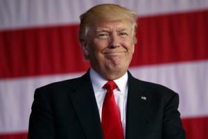 Τραμπ για Όπρα: Την αγαπώ αλλά θέσει υποψηφιότητα… θα την κερδίσω