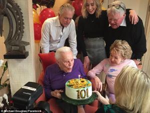 Ο Σπάρτακος ζει και γιόρτασε τα 101! [pics]