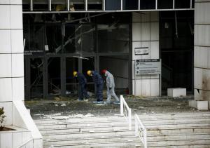 Τρομοκρατική επίθεση στο Εφετείο: «Καθαρό» το καλάσνικοφ, «τυφλές» οι κάμερες  – Ψάχνουν το οπλοστάσιο των τρομοκρατών