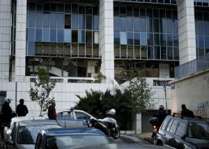 Πυροβόλησαν με καλάσνικοφ τον αστυνομικό φρουρό στο Εφετείο οι τρομοκράτες που έβαλαν τη βόμβα