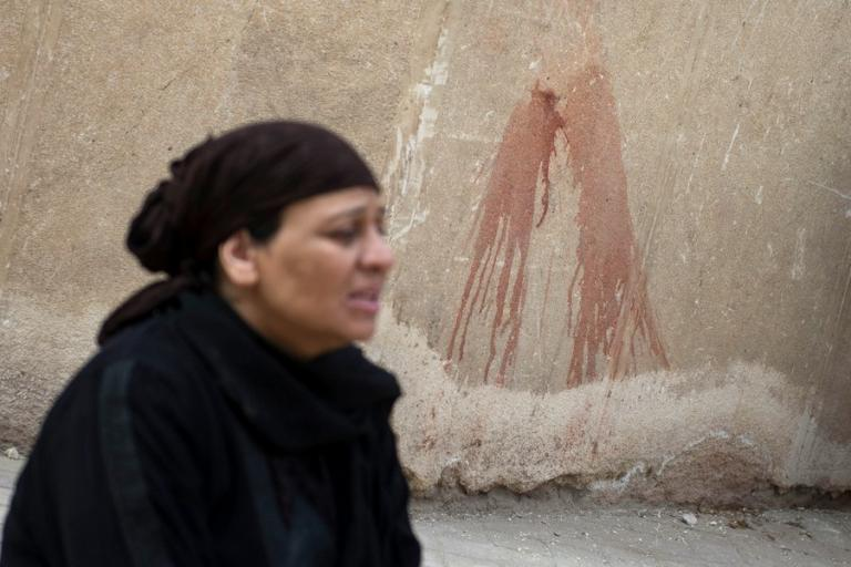 Κάιρο: Ντοκουμέντο από την ανταλλαγή πυροβολισμών έξω από Εκκλησία Κοπτών [pics, vids] | Newsit.gr