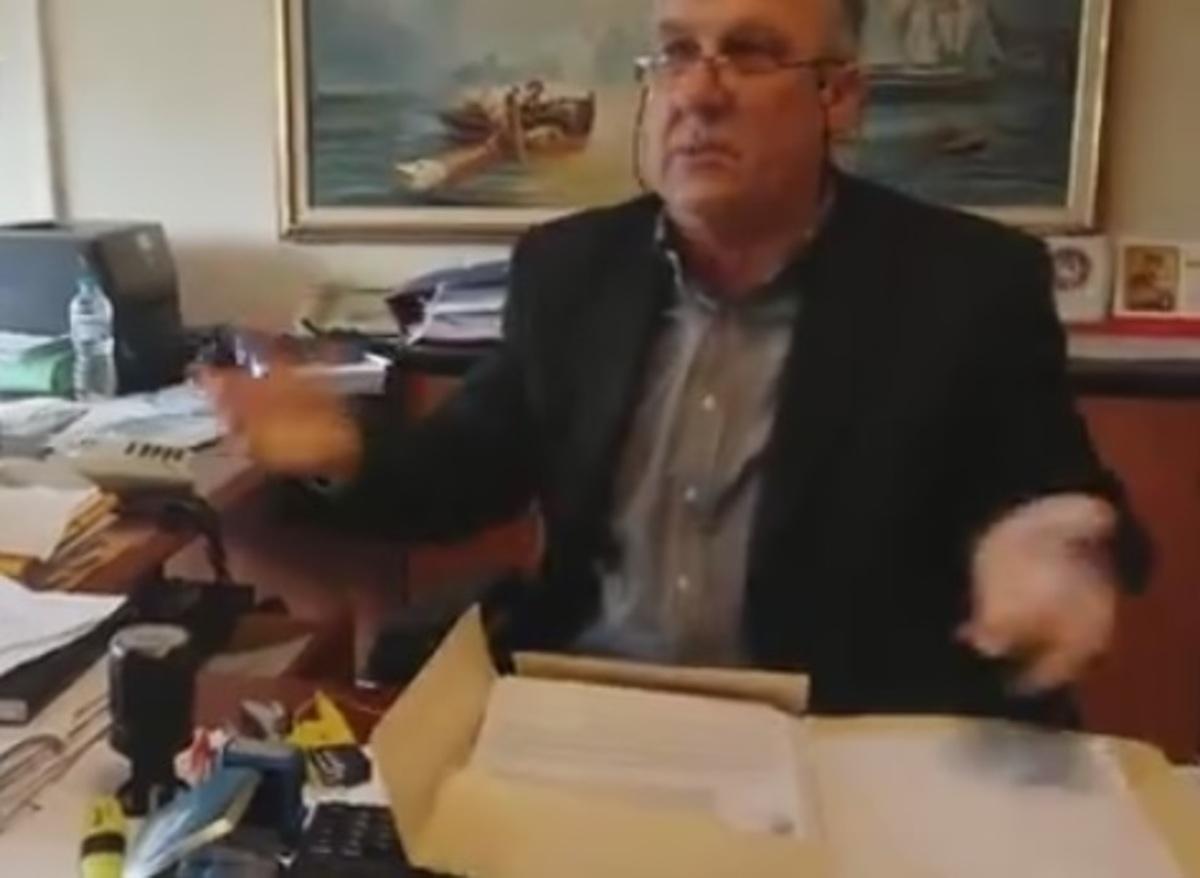 Το βίντεο από το «ντου» του Ρουβίκωνα στη ΔΟΥ Αγρινίου | Newsit.gr