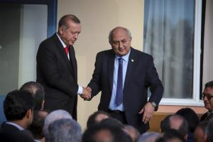 On camera το μίνι διπλωματικό επεισόδιο Ερντογάν – Αμανατίδη – Όλος ο διάλογος μπροστά στις κάμερες