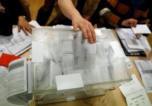 Θρίλερ στην Καταλονία! Έκλεισαν οι κάλπες – Τι λένε τα exit polls