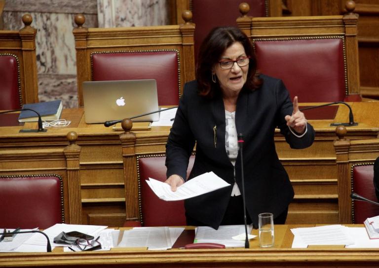 Αλλαγές στα οικογενειακά επιδόματα υπόσχεται η Φωτίου ελέω… εσωκομματικής «φαγωμάρας» | Newsit.gr