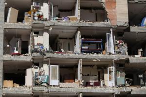 Ιράν: 15 τραυματίες από τον ισχυρό σεισμό των 6,2 ρίχτερ