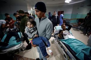 Ισραηλινές επιδρομές στη Λωρίδα της Γάζας – Δεκάδες τραυματίες