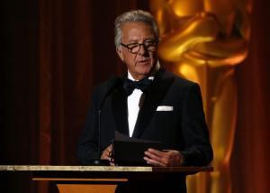 «Ο Ντάστιν Χόφμαν με παρενοχλούσε σεξουαλικά» – Ηθοποιός περιγράφει τον εφιάλτη της