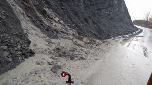 Η κακοκαιρία χτύπησε την Ήπειρο – Αποκλεισμένοι επισκέπτες στα Ζαγοροχώρια