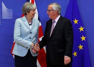Brexit: Λευκός καπνός! Έκτακτη συνάντηση Μέι – Γιούνκερ στις Βρυξέλλες