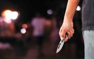 Απείλησαν με μαχαίρι Ελληνίδα τραγουδίστρια στο Κολωνάκι! Της έκλεψαν το πορτοφόλι…