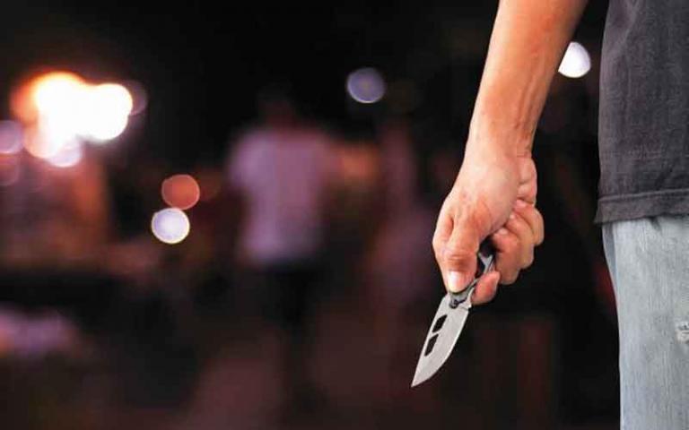 Απείλησαν με μαχαίρι Ελληνίδα τραγουδίστρια στο Κολωνάκι! Της έκλεψαν το πορτοφόλι… | Newsit.gr