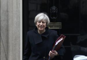Μήνυμα Μέι: Το Brexit δεν θα εκτροχιαστεί