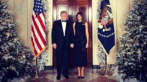 Ντόναλντ και Μελάνια Τραμπ σας εύχονται «Καλά Χριστούγεννα»