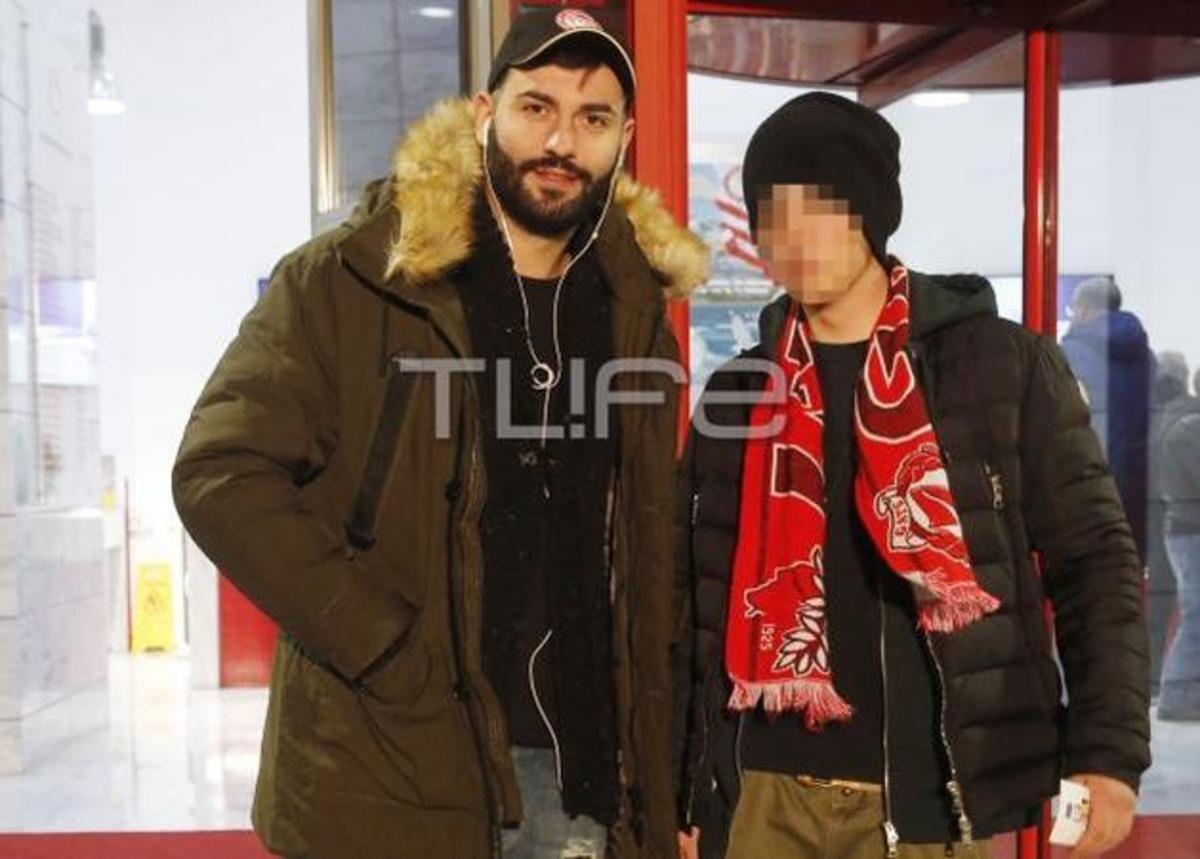 Θοδωρής Μισόκαλος: Ο αδελφός με τον γιο της Ελένης Μενεγάκη στο γήπεδο! [pics] | Newsit.gr