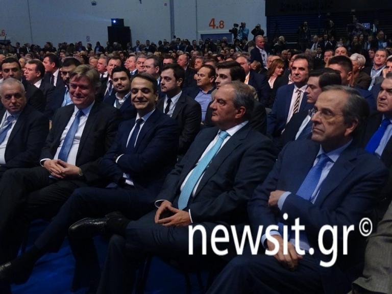 «Απρόσμενο» ξεκίνημα στο συνέδριο της Νέας Δημοκρατίας με άνοιγμα Μητσοτάκη σε Γεννηματά και Θεοδωράκη