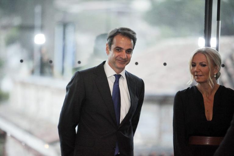 Μητσοτάκης: Το 2018 να γίνει αφετηρία να πάει μπροστά η χώρα | Newsit.gr