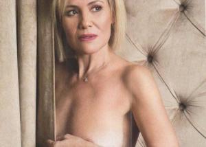 Κωνσταντίνα Μιχαήλ: Ποζάρει ολόγυμνη στα 51 και είναι πανέμορφη! [pics]