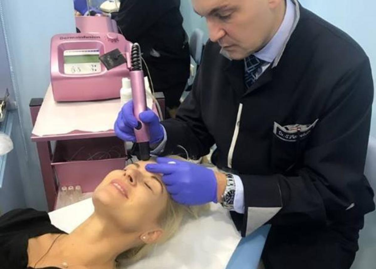 Η Μαρία Μπεκατώρου στο… κρεβάτι του δερματολόγου της! Τι θεραπείες ομορφιάς έκανε; [pics]   Newsit.gr