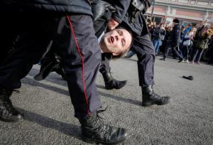 Αλεξέι Ναβάλνι: Ξεπερνά τα εμπόδια ο υποψήφιος διάδοχος του Πούτιν!
