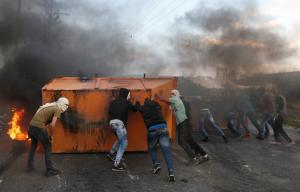 Οκτώ Παλαιστίνιοι νεκροί από Ισραηλινές δυνάμεις – Σκότωσαν μέχρι και άνθρωπο χωρίς πόδια! – ΠΡΟΣΟΧΗ ΣΚΛΗΡΕΣ ΕΙΚΟΝΕΣ