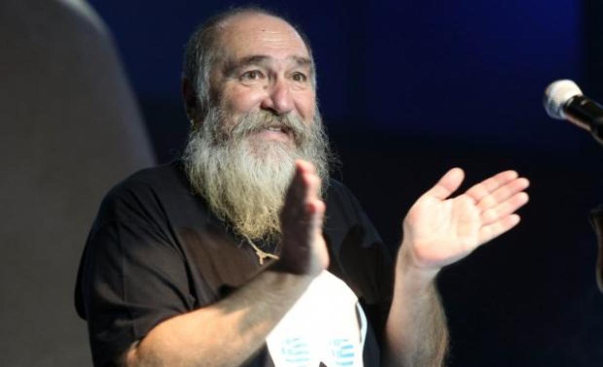 Τζίμης Πανούσης: Έπαθε ανακοπή μέσα στο ασθενοφορο | Newsit.gr