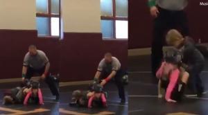 Δύο κορίτσια μάχονται σε αγώνα πάλης – Ο μεγάλος αδερφός σπεύδει να σώσει την αδερφή του!