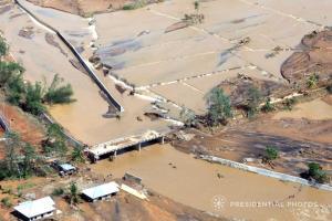 Φιλιππίνες: Τουλάχιστον 43 νεκροί και δεκάδες αγνοούμενοι από τροπική καταιγίδα