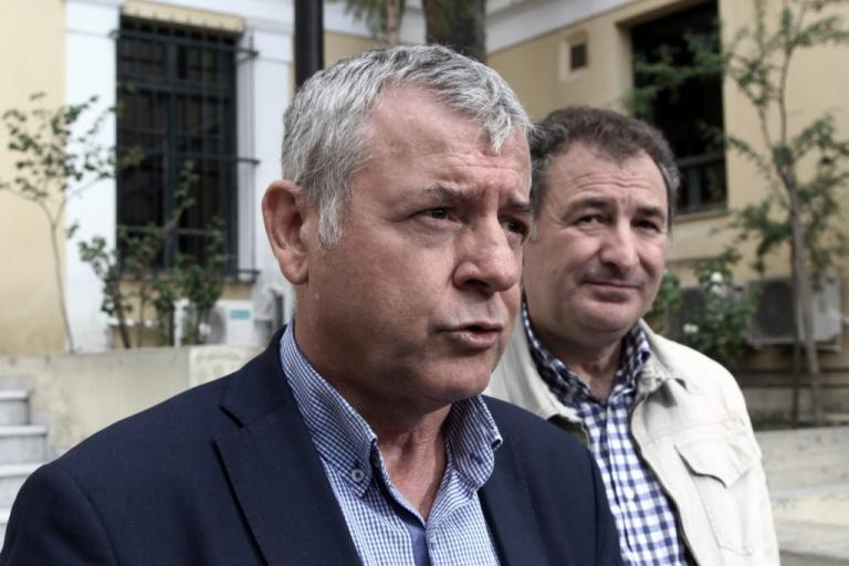 Ντου της ΠΟΕΔΗΝ στον Ερυθρό – Προσπαθούν να εμποδίσουν 80 απολύσεις | Newsit.gr