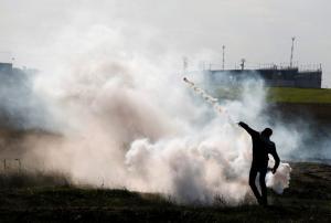 Στους δρόμους της οργής: Συγκρούσεις σε Ιερουσαλήμ και Δυτική Όχθη – Πέτρες, φωτιές και τραυματίες [pics]