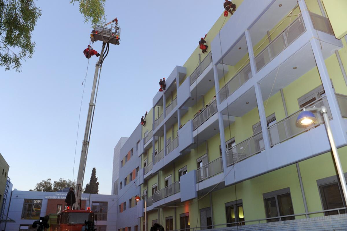 Άγιος Βασίλης δώρα παιδιά Ογκολογικό νοσοκομείο Ελπίδα