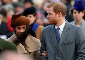 Χριστούγεννα με τη βασιλική οικογένεια για τη Μέγκαν Μαρκλ [pics, vids]