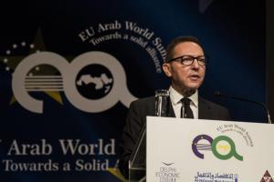 Στουρνάρας: Η υπερφορολόγηση πλήττει την ανταγωνιστικότητα