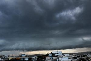 Καιρός: Βροχές και καταιγίδες το Σάββατο – Αναλυτική πρόγνωση