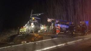 Γαλλία: «Δεν παραβίασα τις μπάρες» δηλώνει η οδηγός του λεωφορείου που σκοτώθηκαν 5 μαθητές
