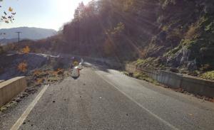 Τρίκαλα: Είναι αυτός ο πιο επικίνδυνος δρόμος της χώρας; – Εικόνες που προκαλούν αίσθηση [pics]
