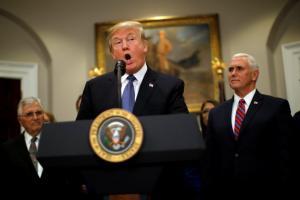Ο Τραμπ απαντά με ύβρεις στις γυναίκες που τον κατηγορούν για σεξουαλική παρενόχληση