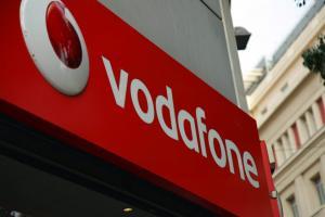 Σκληρή απάντηση της Vodafone στον ΟΤΕ – Μαίνεται «πόλεμος» στις τηλεπικοινωνίες