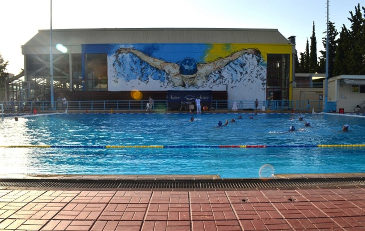 «Πάγωσαν» όλοι στο κολυμβητήριο! 52χρονος σωριάστηκε δίπλα στην πισίνα από ανακοπή καρδιάς