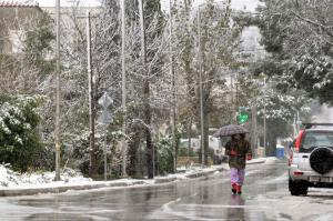 Καιρός – Χιόνια και κρύο ως την Κυριακή! Πως θα περάσουμε τα Χριστούγεννα