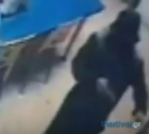 Θεσσαλονίκη: Ληστεία στην κάμερα – Βίντεο ντοκουμέντο από το χτύπημα σε πρακτορείο του ΟΠΑΠ [vid]