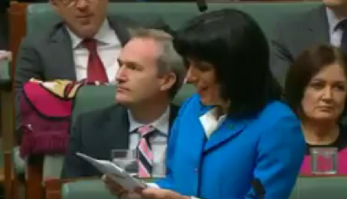 Στη Βουλή της Αυστραλίας άρχισαν να μιλούν… ελληνικά!
