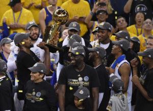 """Νέος """"βασιλιάς"""" ο Ντουράντ! Πρωταθλητές NBA οι Γουόριορς [vids]"""