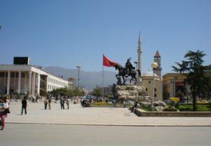 """Επικίνδυνες προκλήσεις των Αλβανών – """"Σκλαβωμένη Τσαμουριά"""" οι Φιλιάτες"""