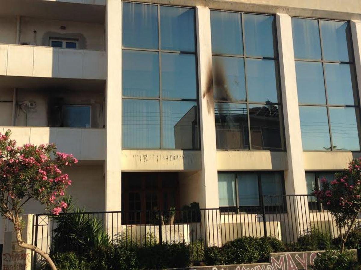 Πάτρα: Επίθεση με εμπρηστικό μηχανισμό σε ΑΤΜ και κτίριο του Υπ. Γεωργίας