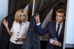 Εκλογές Γαλλία: Μακρόν και αποχή – ρεκόρ δείχνουν τα exit polls