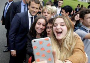 """Γαλλία – Βουλευτικές εκλογές: Ρεκόρ αποχής και """"Μακρονμάνια"""""""