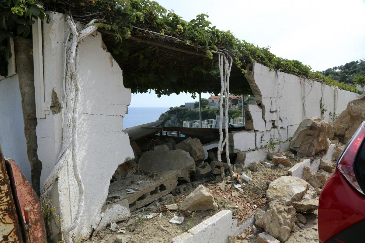 Σεισμός Μυτιλήνη: Νεκρή ανασύρθηκε από τα ερείπια η 45χρονη που είχε εγκλωβιστεί!