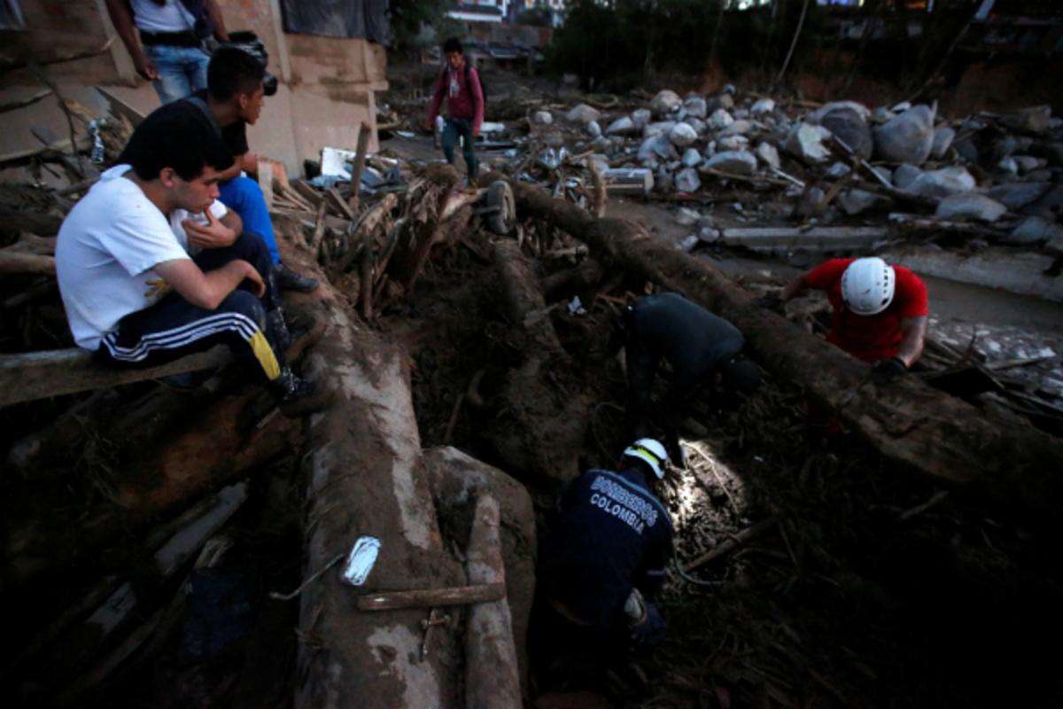 Κολομβία: Ψάχνουν την ελπίδα στις λάσπες! Έρευνες για επιζώντες [pics]