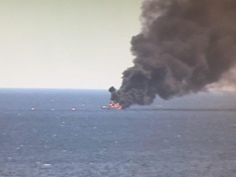 Βυθίστηκε τελικά η θαλαμηγός στα ανοιχτά του Πειραιά – Σώοι οι 10 επιβάτες ΦΩΤΟ & VIDEOS